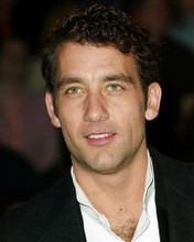 This is an image of 262362 Clive Owen Photograph & Poster