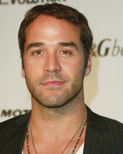 This is an image of 264410 Jeremy Piven Photograph & Poster