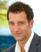 This is an image of 265313 Clive Owen Photograph & Poster