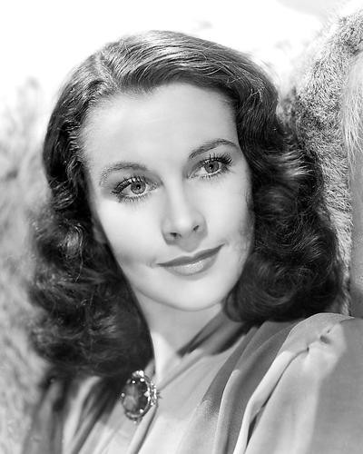 This is an image of 186108 Vivien Leigh Photograph & Poster