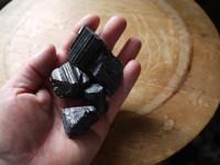 Black tourmaline rough pieces (112339)
