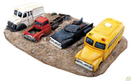 3006 (HO Scale) WAL-949-3006        Junk Truck Row
