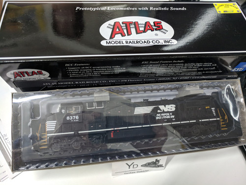 ATLAS 10002304 / Atlas Model Railroad Co. GE Dash 8-40CW #8376 Norfolk Southern (Horsehead) w/LokSound & DCC - Master(R) Gold (SCALE=HO Part # 150-10002304