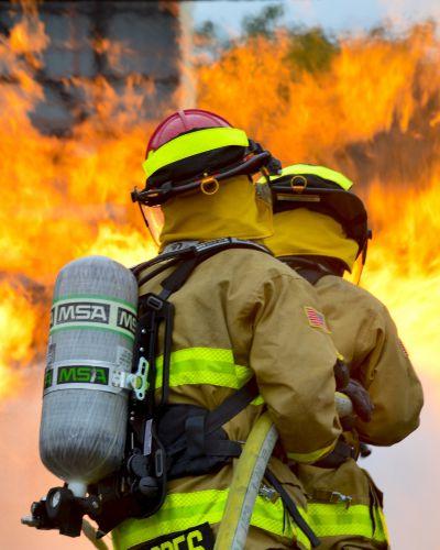 firefighters-1168256-1920-resized.jpg