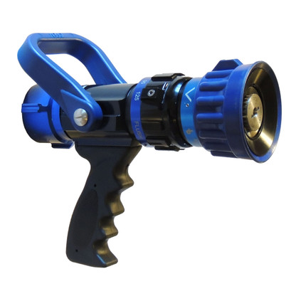"""Select from 5 GPM settings with our 1 1/2"""" Select Gallonage nozzle"""