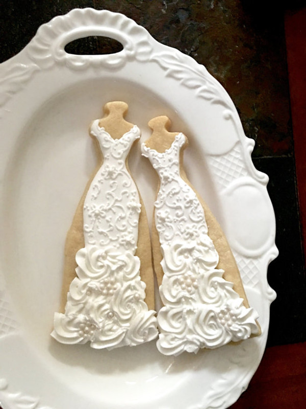 Decorated cookies by Marinold Cakes on etsy!