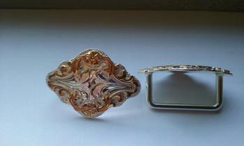 HC8    Harness Rosettes - Diamond shape gold/silver (2)