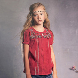 Jak & Peppar Sun Gypsy Juliet Peasant Top - Berry