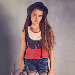 Jak & Peppar Sun Gypsy Fringe Down Crop - Berry