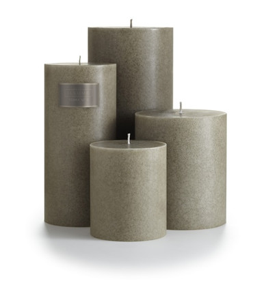 "Illume Tonka Noir 4"" x 4.5"" Pillar Candle"