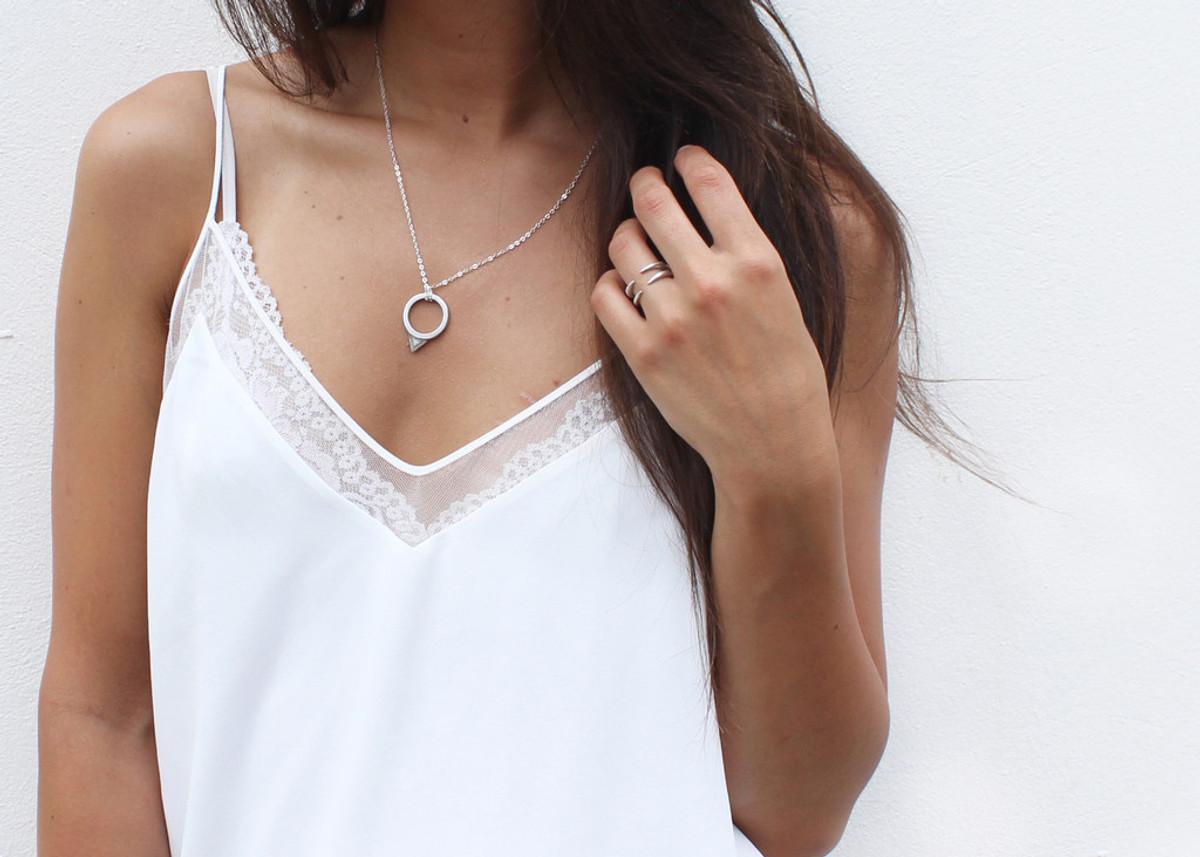 Stevie Pendant Necklace