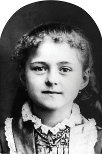 St. Therese (Child) Arched Magnet