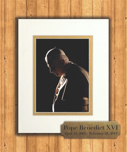 Pope Benedict in Prayer 8x10 Matted Print with Commemorative Plate