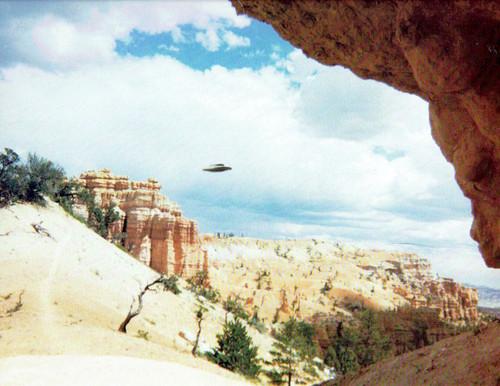 1998-1999 UFO Calendar