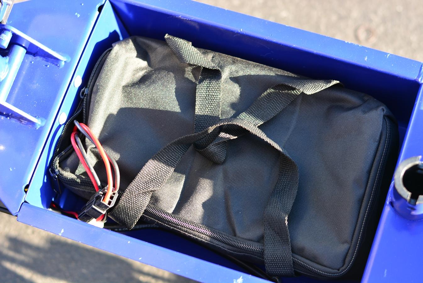 Battery-1600-blu-3-.jpg