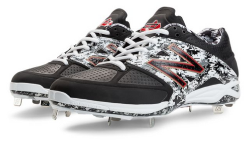 New Balance Pedroia Low-Cut Metal Baseball Cleat