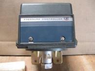 UNITED ELECTRIC CONTROLS PRESSURE CONTROLLER TYPE J302