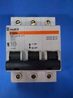 Merlin Gerin (20888) C32N 3P 32A 380V Circuit Breaker, New Surplus