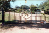 Double Arch Gate with Alternating Pickets