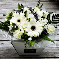 White Joy-Posy in a Box