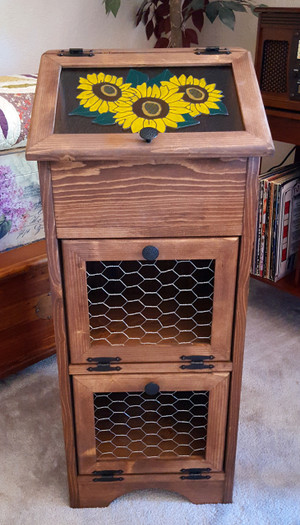 Potato Vegetable Storage Bin - Chicken Wire Sunflowers