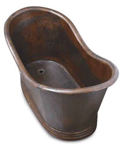 Hammered copper freestanding slipper tub