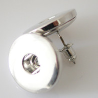CLASP EARRING