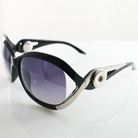 BLACK AND SILVER DIVAS SUNGLASSES