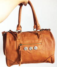 SOFT LEATHER TAN BUTTON HANDBAG