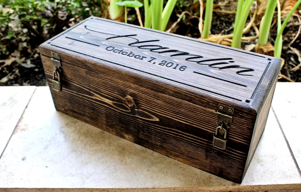 Featured Design: Wedding Wine Box (Design #288)