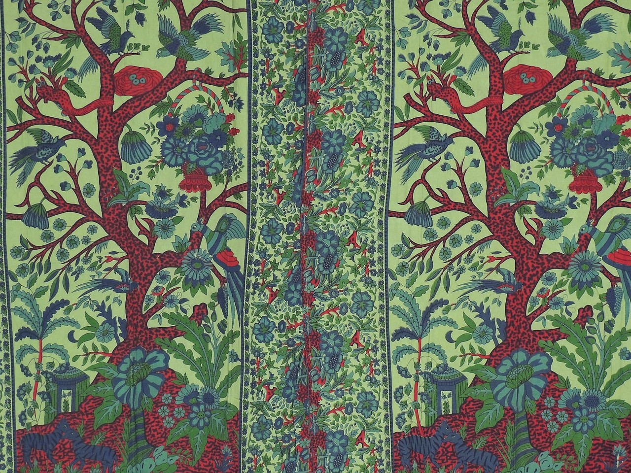 Green indian curtains -  Image 3