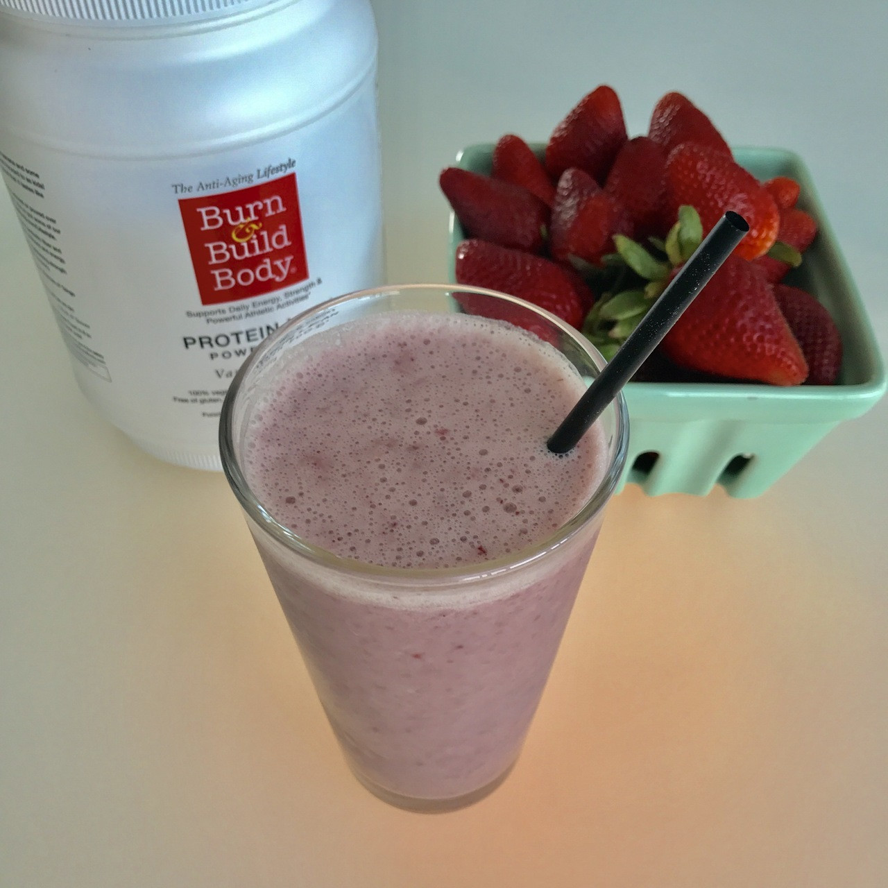 Protein Lean Vanilla and Organic Strawberry Smoothie with Almond Milk