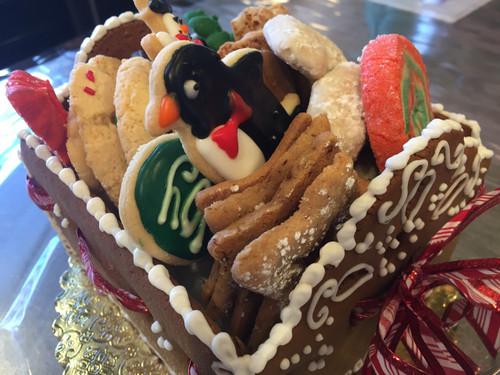 Gingerbread Sleigh of Cookies