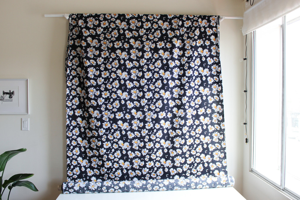 Daisies Cotton Shirting - Black/White   Blackbird Fabrics