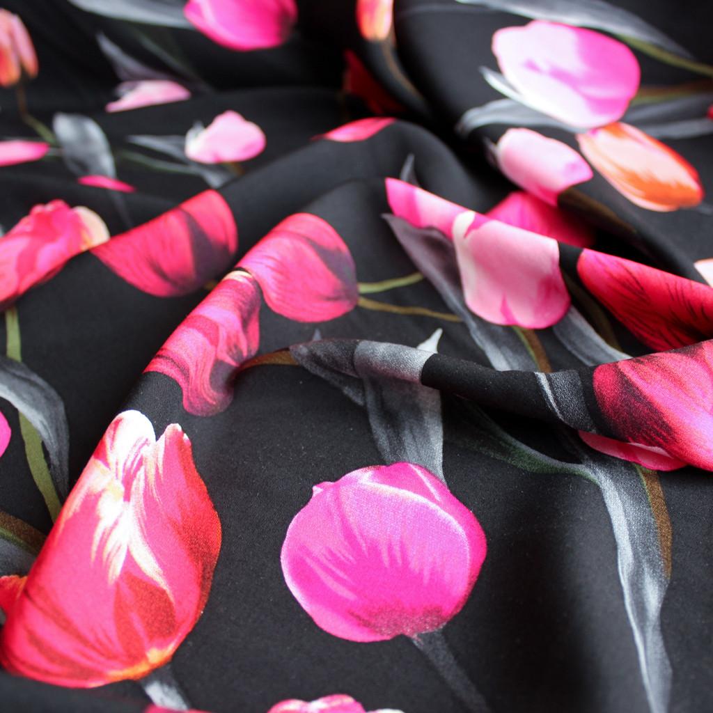Tulips Viscose Poplin - Black/Pink - 1/2 meter