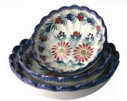 Scalloped Serving Bowls - Fleuri