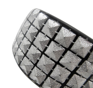 https://s3.amazonaws.com/zeckosimages/HM87-B-silver-pyramid-stud-acrylic-punk-bracelet-1M.jpg