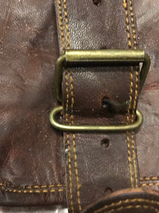 https://s3.amazonaws.com/zeckosimages/56223-vintage-brown-leather-satchel-1H.jpg
