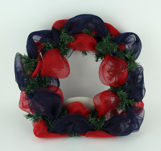 https://s3.amazonaws.com/zeckosimages/MEM-MLB-CCU-1512-mesh-wreath-chicago-cubs-1I.jpg