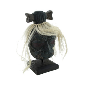 https://s3.amazonaws.com/zeckosimages/VIL40B-shrunken-head-white-hair-bone-wooden-1-L.jpg