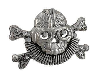 https://s3.amazonaws.com/zeckosimages/32102-aviator-skull-crossbones-12-2014-belt-buckle-RE1I.jpg