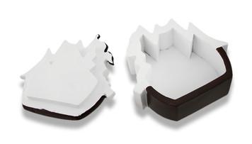 https://s3.amazonaws.com/zeckosimages/25728-pirate-ship-trinket-box-1I.jpg