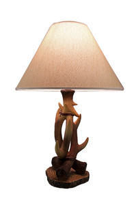 https://s3.amazonaws.com/zeckosimages/MRC-32704-antler-table-lamp-1I.jpg