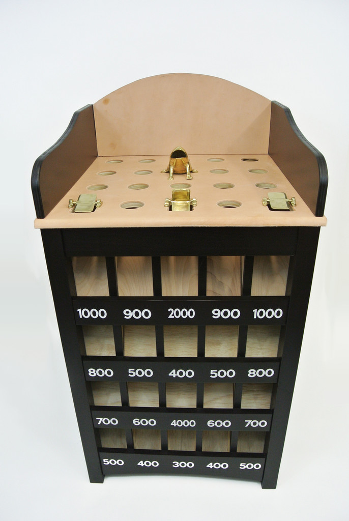 Black Stained Sapo Game Set   Indoor Outdoor Coin Toss Game