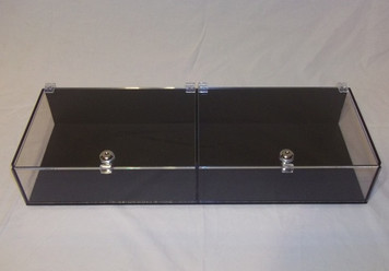 2 Section Show Display with Keyed Locks