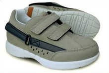 Hatchbacks Freestyle Kids Shoe : Gray Suede/Navy