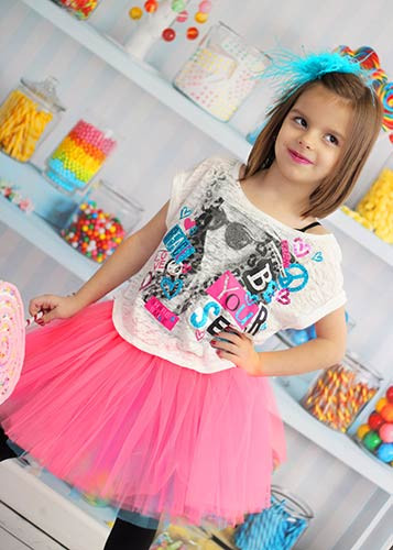Wholesale Girls tutus are available in a variety of solid colors &this girl tutu can fit a wide age range. This fun skirt is great for crafting or using as a birthday party favor.