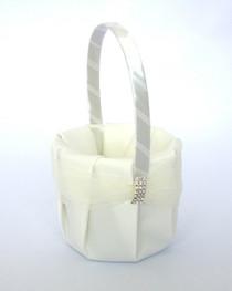 Rhinestone Flower Basket - Ivory