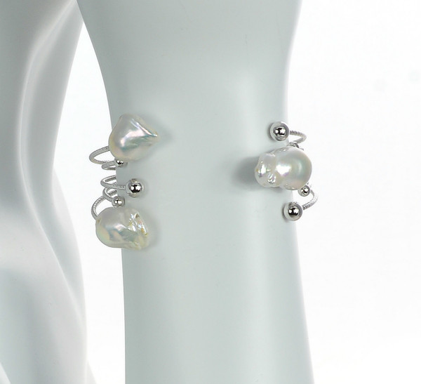 Icelandia Pearl bracelet, zoomed image: Mixed metal cuff pearl bracelet featuring 3 large biawa pearls 11-13mm and silver-toned accents beads