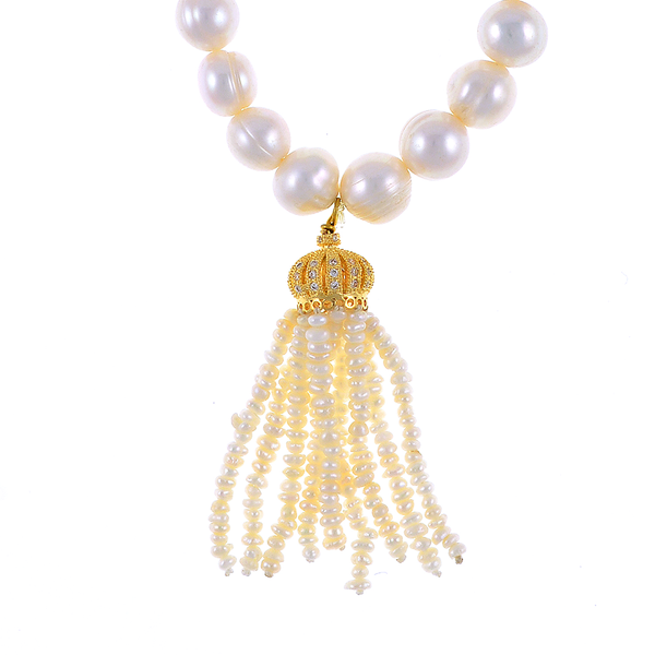 """zoom of Little Gold Crown - Pearl Bracelet: Single strand beaded pearl bracelet with white freshwater pearls 9-10mm,1.5"""" seed pearl tassel drop suspended from mixed metal gold crown, on elastic, one size"""